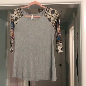 Tops - Boutique style top with Aztec print sleeves